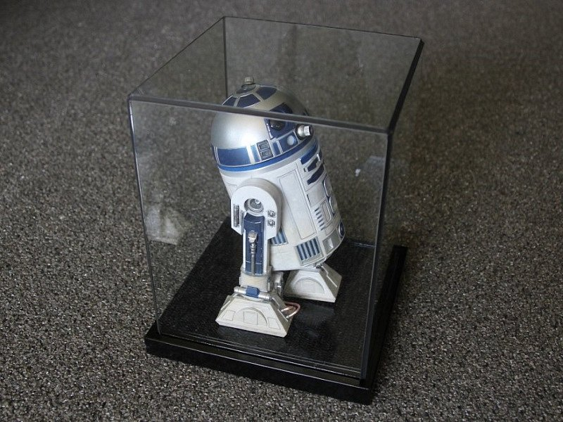 1:6 scale R2-D2